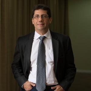 Dr. Jorge Carlos Machado Curi