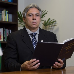 Dr. Lincoln Lopes Ferreira - 2 Vice-presidente