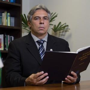 Dr. Lincoln Lopes Ferreira - 2 Vice-presidente