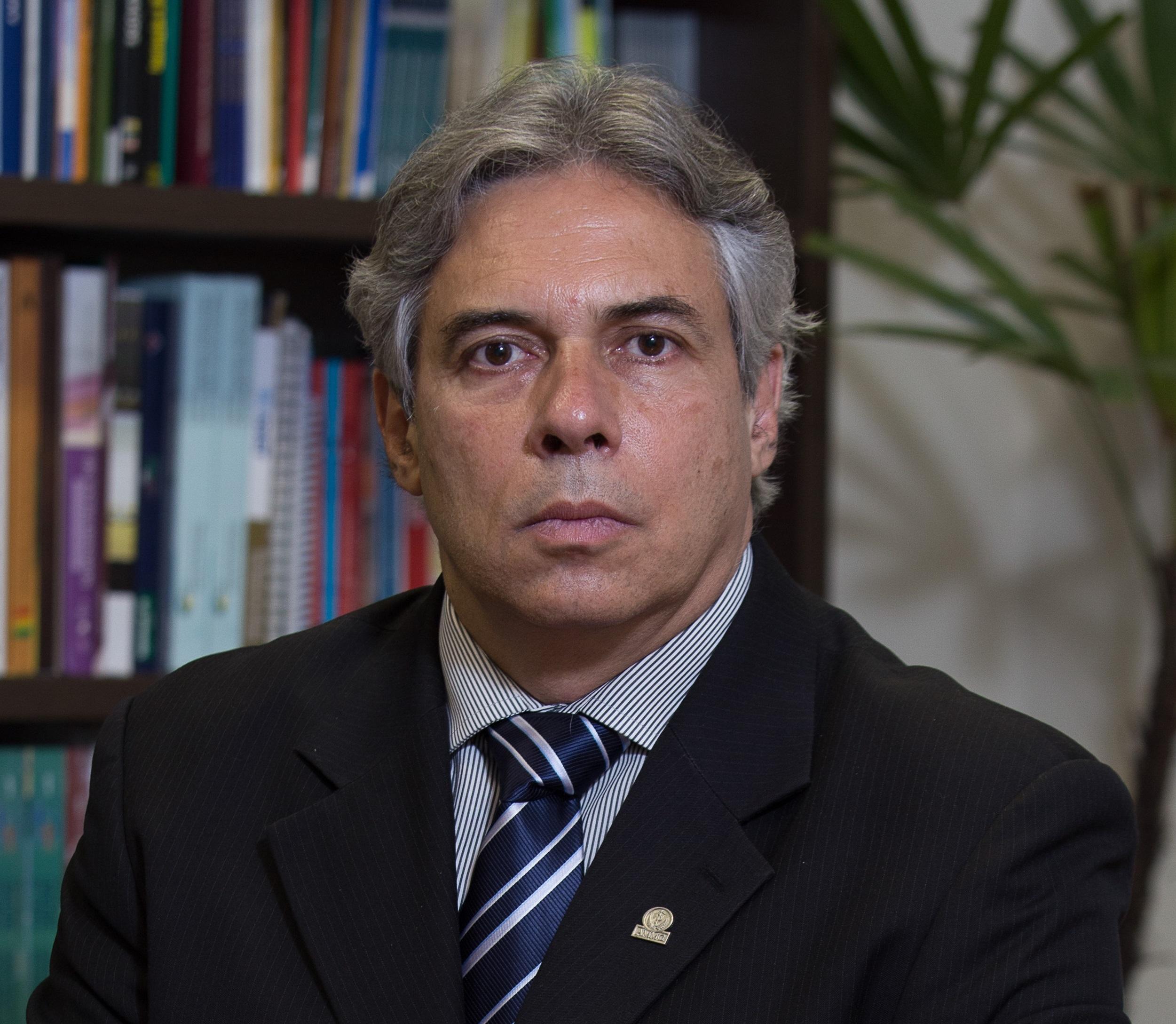 Dr. Florentino de Araujo Cardoso Filho - Presidente